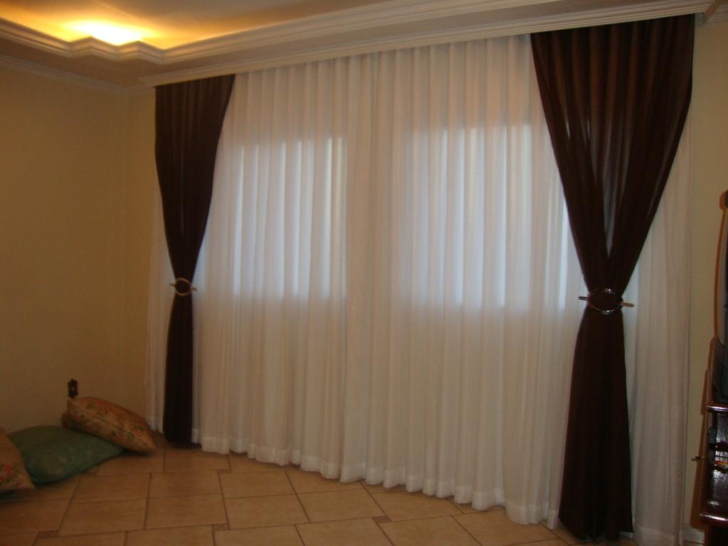 Cortinas de tecidos cia das cortinas for Ganchos para cortinas de madera